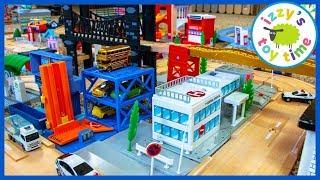 TOMICA PARKING GARAGE?! Check out this MEGA TOMICA BRIO THOMAS CITY