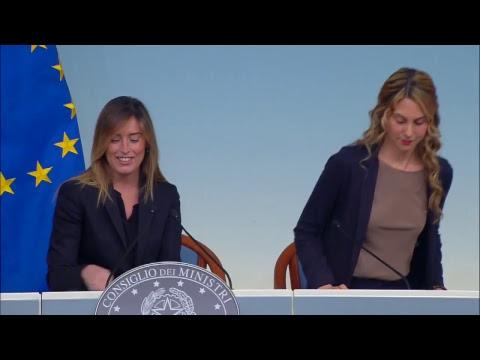 Boschi e Madia illustrano la direttiva sul lavoro agile (15/06/2017)