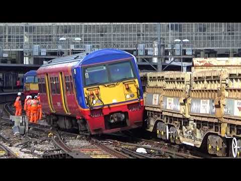 London Waterloo Derailment: Southwest Trains 456015 collides…