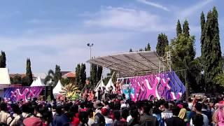 Inbox SCTV Karnaval Di Kudus Jenita Janet   Us Us   Audi Marissa