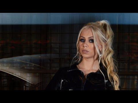 Andreea Ignat – Ce au fetele Video