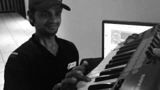 Смотреть онлайн Диджей записал трек с помощью доставщика пиццы