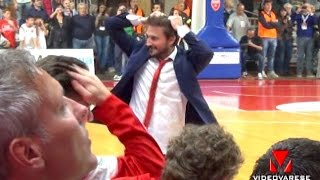 preview picture of video 'VARESE-CANTU 93-84  - Gianmarco Pozzecco - esultanza per la vittoria'
