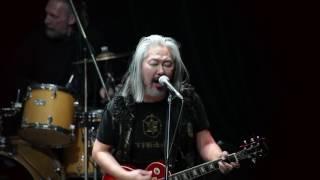 Рок-хит Боб Марли: гитара против игила