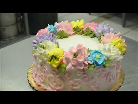 Украшение тортов | Как просто украсить цветами торт на день рождения