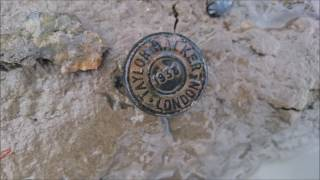 Mudlarking Along The Thames Foreshore With Tideline Art    March 2017