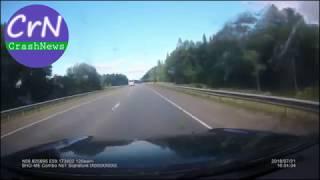 https://crashnews.org | В Свердловской области Фольксваген врезался во встречный Лексус