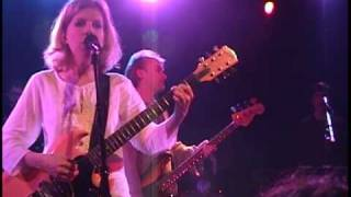 "Tanya Donelly @ The Paradise -""Landspeed Song"""