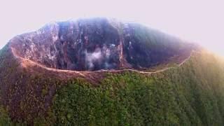 Video Puncak Gunung Ciremai Dramatik Dari Udara