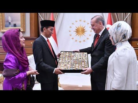 Jokowi Dapat Cokelat Bergambar Dirinya dan Istri dari Erdogan   Berita Terbaru Hari Ini