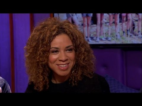Amara 'ontzettend trots' na winnen Expeditie Robinson - RTL LATE NIGHT
