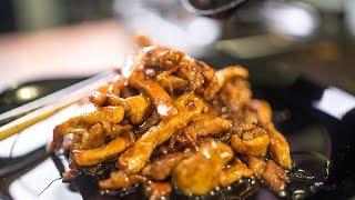 Корейские блюда с заправками. Кисло-сладкая свинина и курица-терияки.