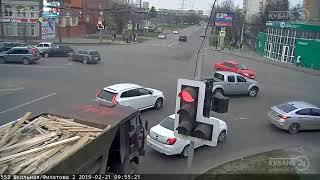ДТП на ул. Школьная и ул. Филатова 21.02.2019