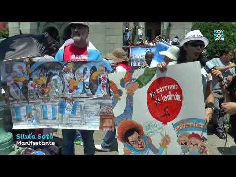 Silvia Soto fue a manifestar a la plaza por la niñez guatemalteca