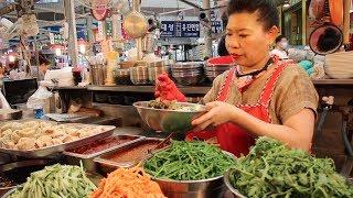 Bibimbap at Gwangjang Market - STREET FOOD in Seoul, South Korea + KIMCHI MANDU
