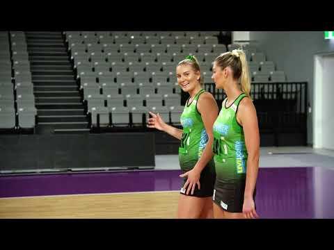suncorp-team-girls-tips-–-courtney-bruce-hedge-to-intercept