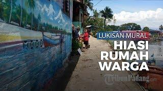 Banyak Pengunjung Berswafoto, Warga di Gerbang Gunung Padang Hiasi Rumah dengan Mural