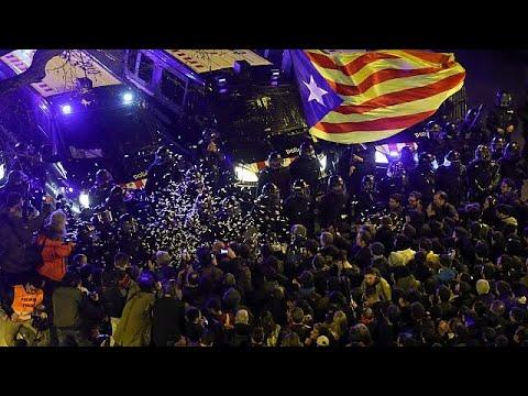 Καταλονία: Στη φυλακή ακόμη 5 πολιτικοί – Διαδηλώσεις σε Μαδρίτη και Βαρκελώνη …