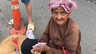 Rơi nước mắt bà ngoại 91 tuổi bán vé số nuôi cháu mồ côi bị tai nạn giao thông