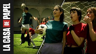 La banda juega al fútbol | La bande joue au football