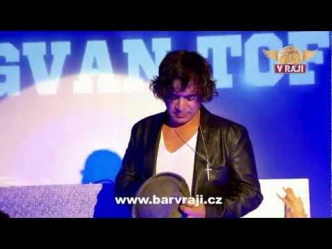 SAGVAN TOFI V RÁJI ( club live 2012 )