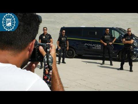 Policías Locales y Ángeles Malagueños de la noche de calendario