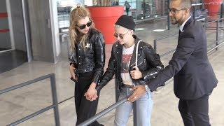 Кристен Стюарт, EXCLUSIVE - Kristen Stewart and girlfriend Stella Maxwell hold hands at Paris CDG airport