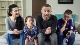 Угадай, что в коробке: Сергей Бабкин и его семья пощекотали себе нервы