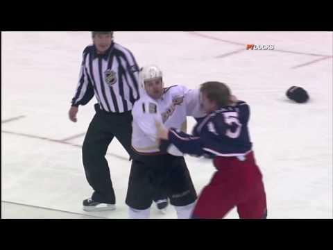 Derek Dorsett vs. Mike Brown