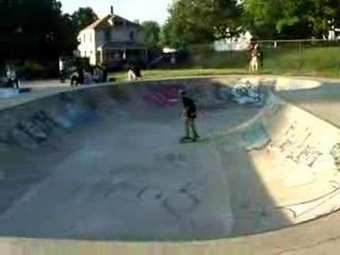 Dustin Lewis in the bowl