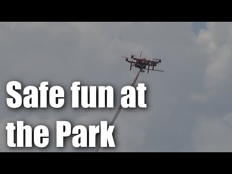 rc-miniquads-and-crashes-at-the-park