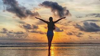 【靜心 冥想引導】身體放鬆冥想-金色療癒光芒  Naomi Miao 潛意識對話DIY 自我催眠激發身體自癒能力