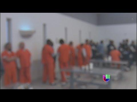 Univision ingresó a un centro de detención de inmigración -- Noticiero Univisión