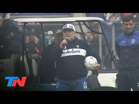 Maradona se presento en Gimnasia y tuvo un recibimiento historico