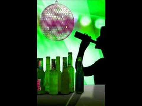 Der Alkoholismus gibt mehr Verwüstung als drei historische Peitschen die zusammen Genommenen