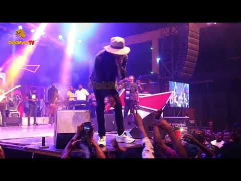 PHYNO'S HOT LIVE PERFORMANCE AT 'TENI LIVE AT AFRICAN SHRINE'