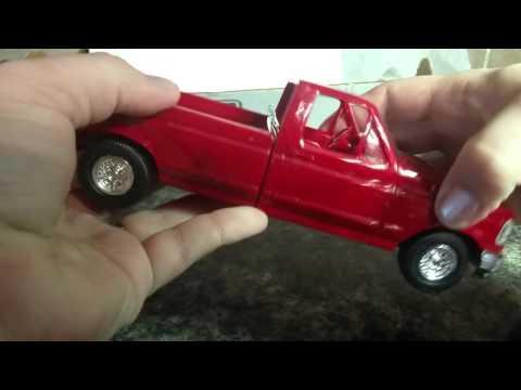 ERTL 1994 Ford F150 Truck replica toy