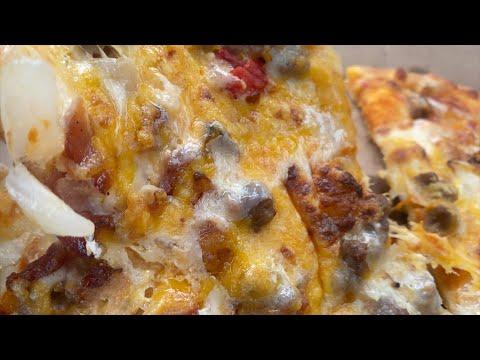 Does Domino's Cheeseburger Pizza Taste Good?