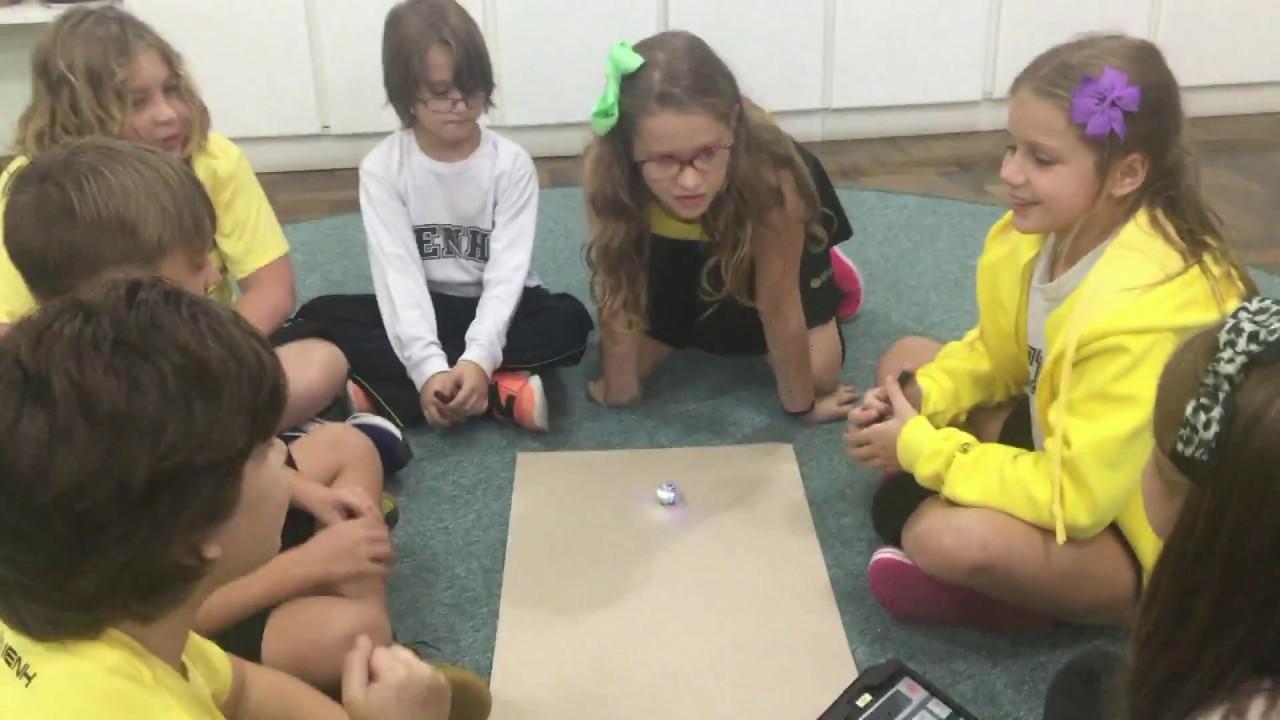 Aprendizado e descoberta com o uso de robôs na aula de Programação do Currículo Bilíngue da IENH