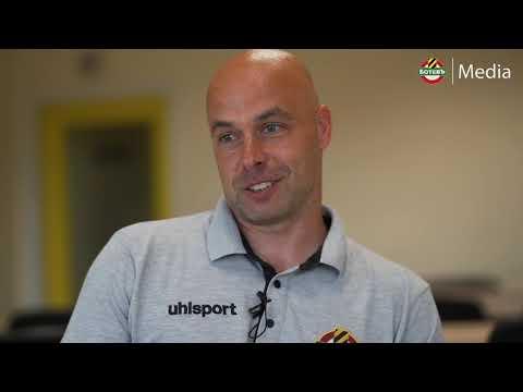 Стефан Стоянов - треньорът на петимата юноши, подписали професионални договори с Ботев