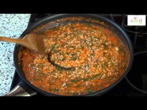 Γεμιστά - Gemista - StoPikaiFi.gr - Φτιάξτε μαζί μας εύκολα και γρήγορα γεμιστά στο φούρνο. (Γεμιστές Ντομάτες)