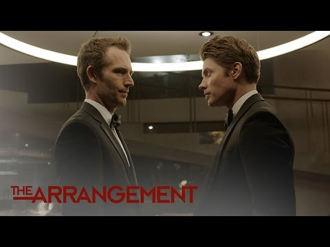 Terence Anderson Chokes Kyle West While on a Bad Trip | The Arrangement | E!