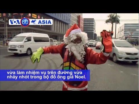 Cảnh sát giao thông Philippines hoá thân ông già Noel