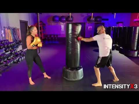 Kickboxing Workout // Heavy Bag - YouTube