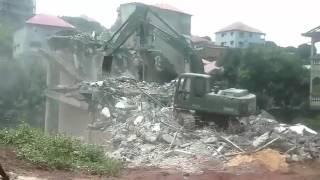 Démolition des bâtiments de particulier à Demoudoula