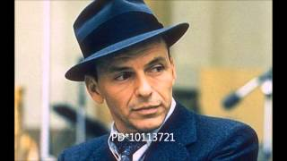 Frank Sinatra - Strangers in the night (Audio HQ)