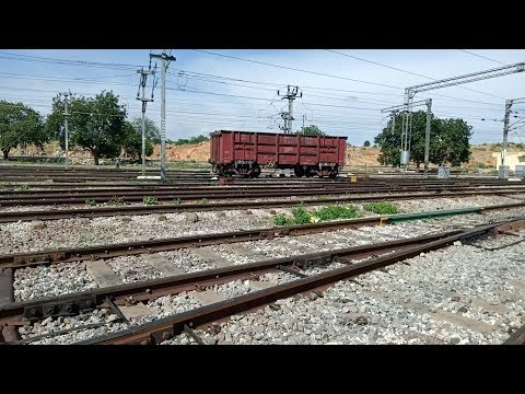 Crazy Wagons moving without Engine - Indian Railways Loose Shunting action