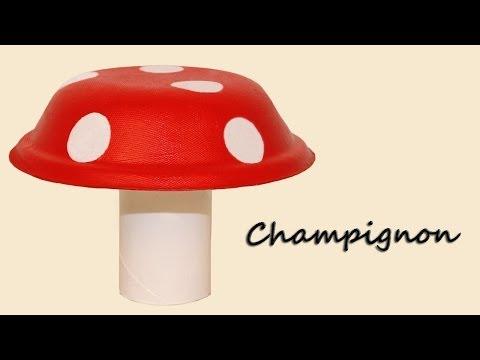 Bricolage champignon avec un bol en carton