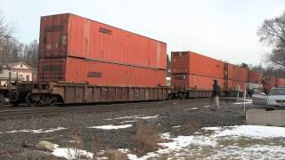 preview picture of video '[HD] CSX Intermodal Train Q161 at Fonda, NY'