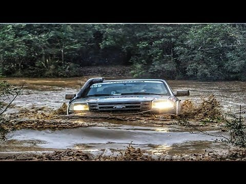 Crazy Drivers Compilation ● Off Road Cars Crossing Extreme Heavy River Flooding - Car Crossing River